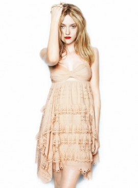 source: http-_dakota-fanning.org_gallery_albums_photoshoots_MaxAbadian_normal_DakotaMaxAbadian001