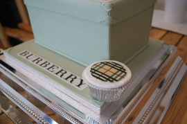 Burberry Cupcake / Cake Side